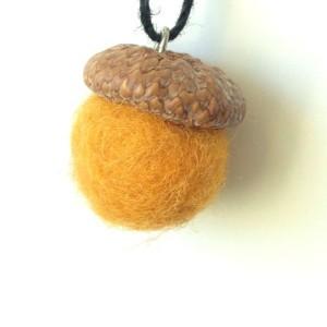 how to make felt acorns