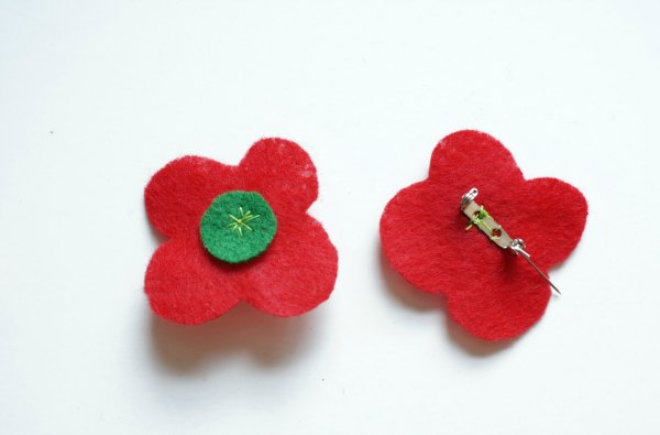 how to make a felt poppy remembrance day