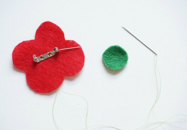how to make a felt poppy