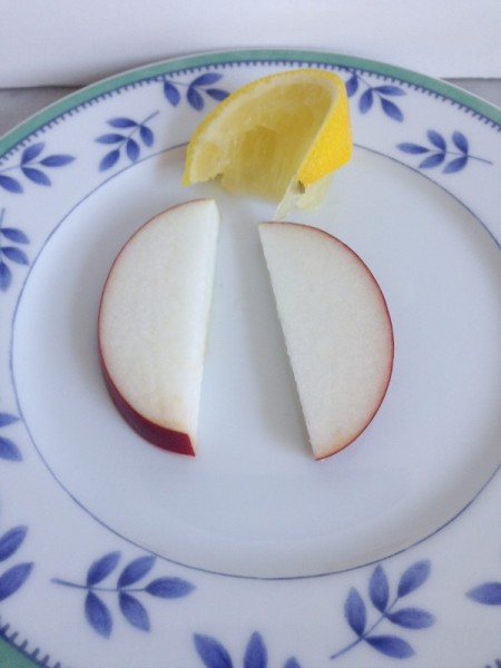 lemon apple slices