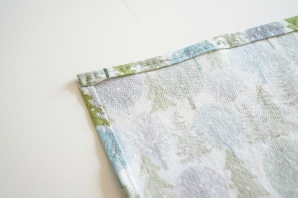 cloth napkin tutorial sewn corner