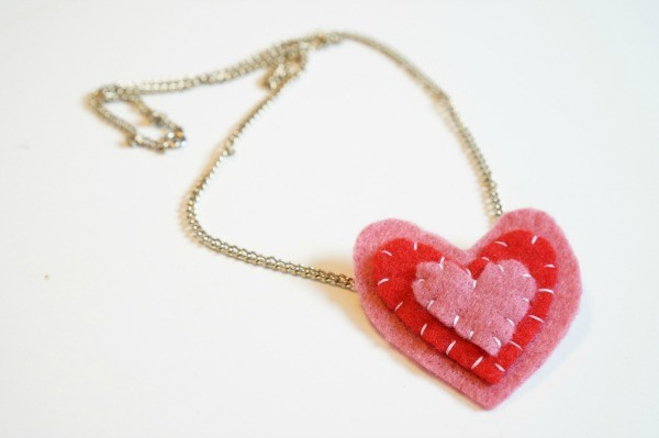 valentines felt heart necklace