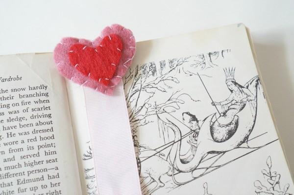 valentine felt heart bookmark