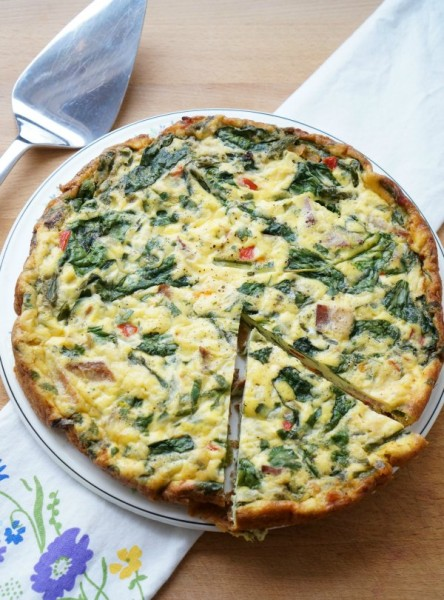 spring frittata with asparagus with gouda