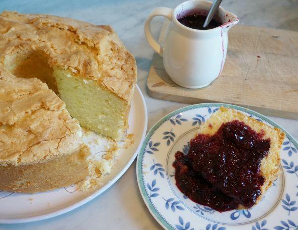 sour cream pound cake 3