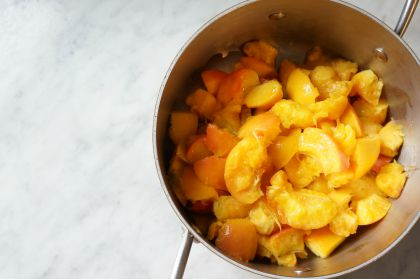peaches in pot