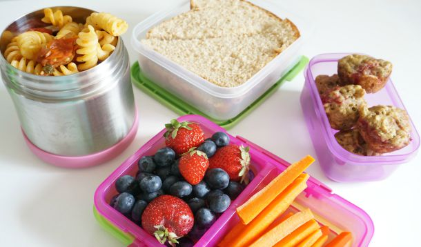 tween packed school lunches