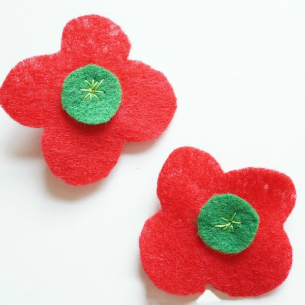 how to make a remembrance Day poppy social