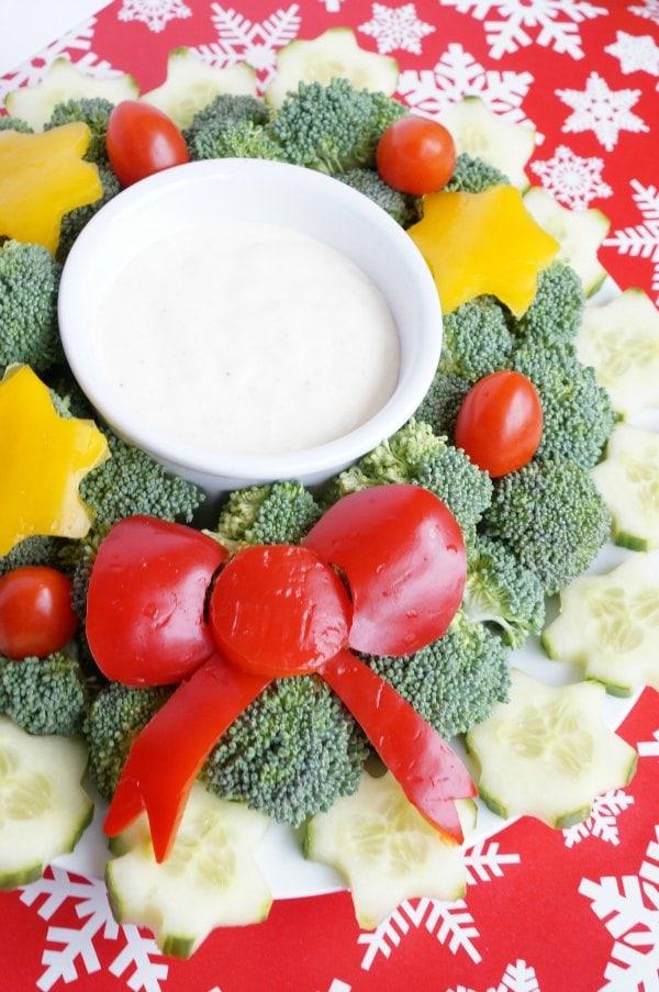 christmas wreath veggie platter