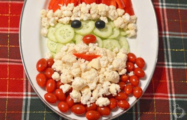 santa vegetable tray