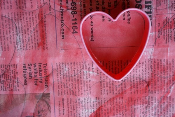 heart garland with cookie cutter tracing