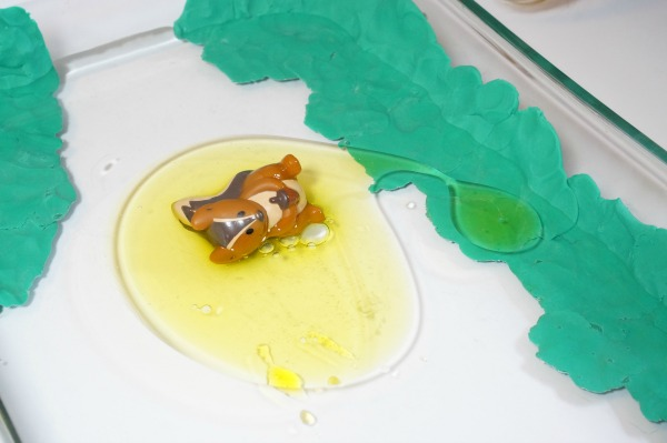 Oil Spill Clean Up Experiment for Kids