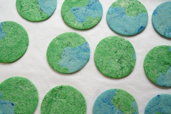 Earth Day cookies baked