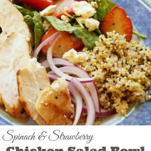 Spinach and Strawberry Chicken Salad Bowl - A healthy option for family dinner. Throw everything in a bowl and enjoy. This salad bowl is filled with grilled chicken, strawberry balsamic spinach, quinoa and feta. | Family Recipe | Salad Recipe | Salad Bowl Recipe |