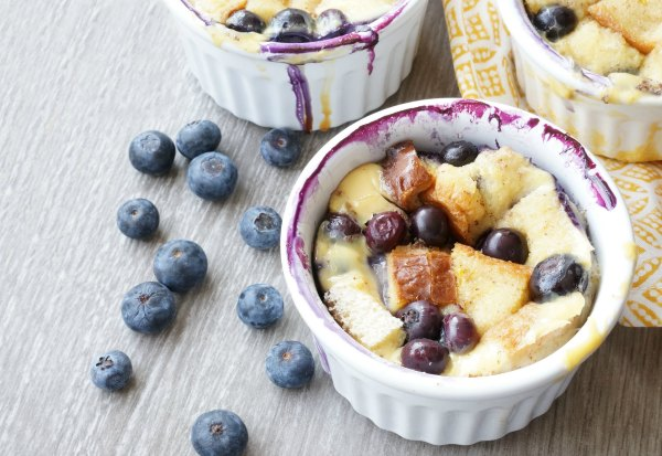 blueberry bread pudding baked