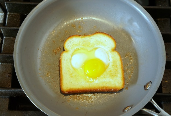 egg in bread in frying pan