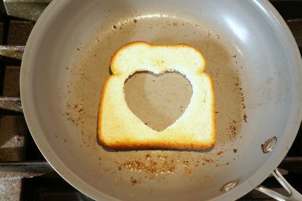toast in pan