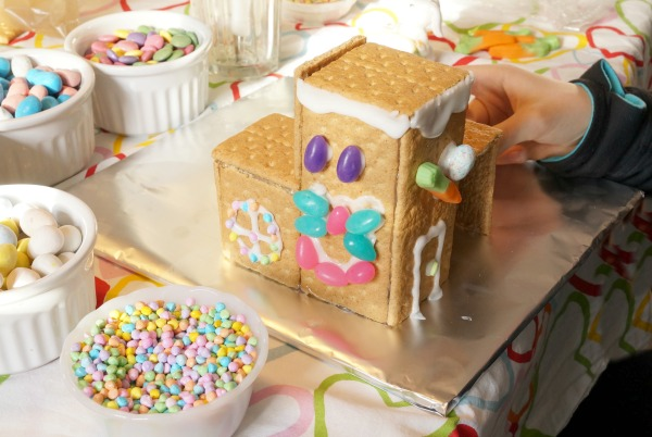 Easter Bunny House building