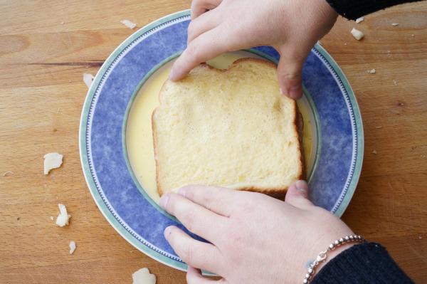 monte cristo sandwich dipped