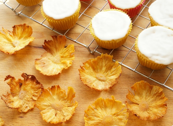 dried pineapple flowers with cupcakes