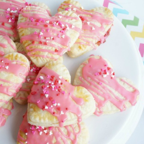 valentine strawberry pop tart