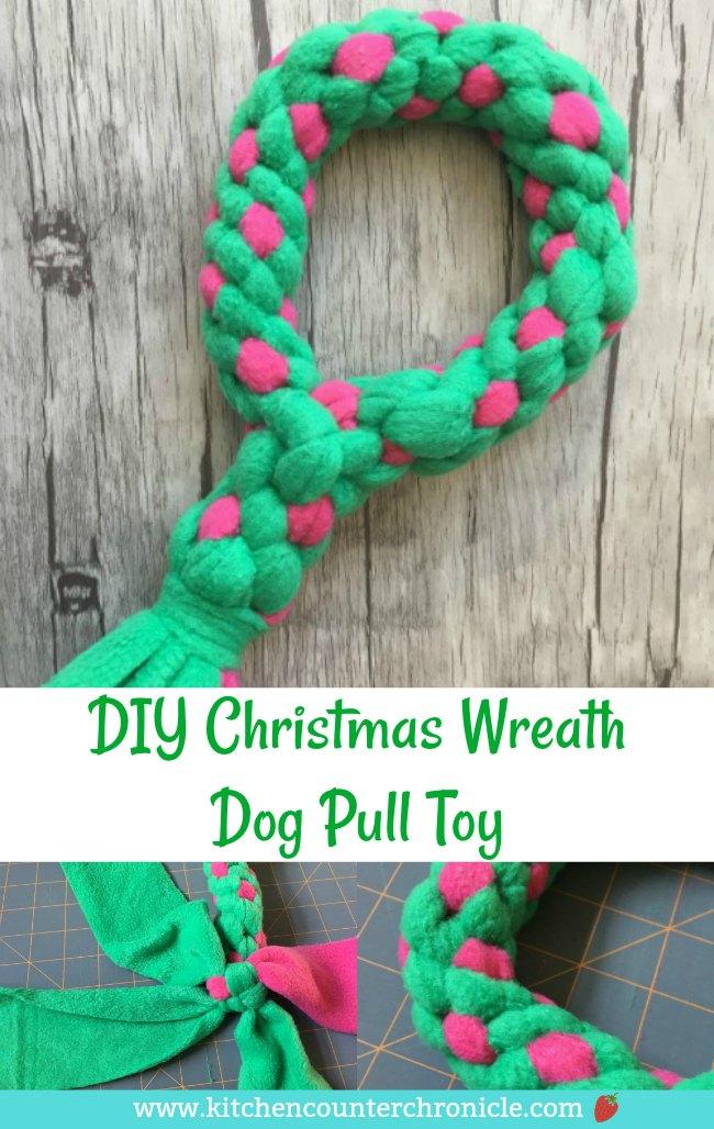 Make a Christmas wreath pull toy for your dog = full step-by-step tutorial. #ChristmasDIY #Christmasdogs #dogpulltoy #fleecepulltoy #dogtoy