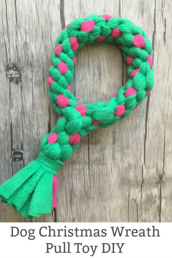 Dog Christmas Wreath Pull Toy DIY featured image