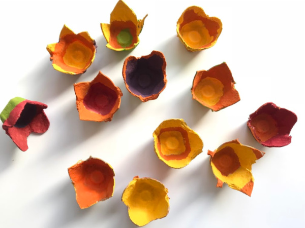 fall egg carton flowers painted