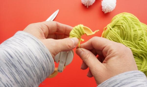 pom pom maker wrapped