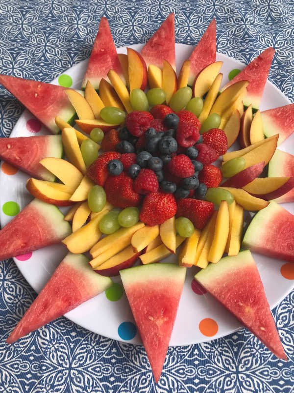 simple fruit tray summer sun shaped