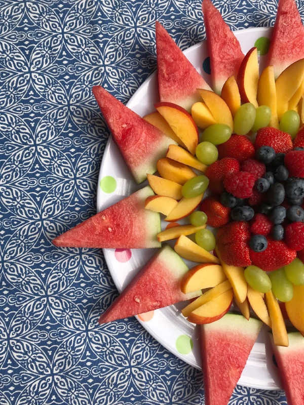 sun creative fruit tray with grapes