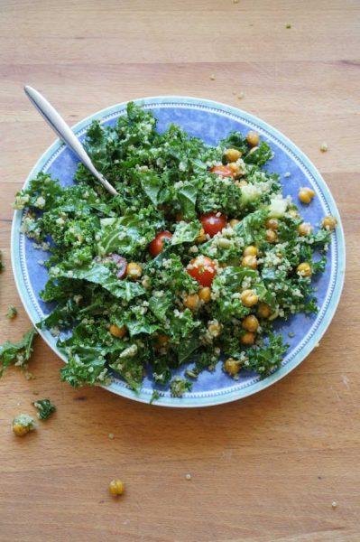 kale salad with pesto and crispy chick peas