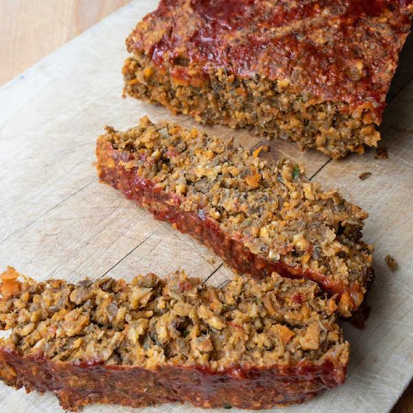 vegetarian lentil meatloaf on cutting board