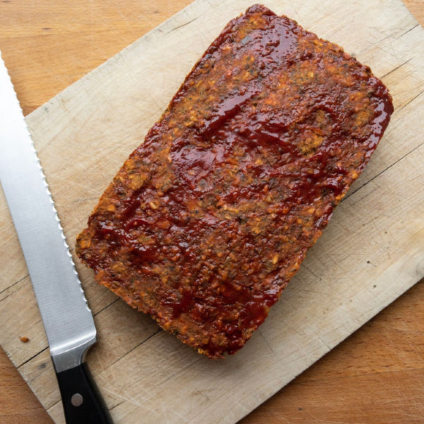 vegetarian meatloaf cooked on a cutting board
