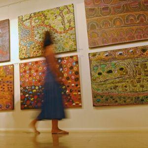 teen girl at art gallery