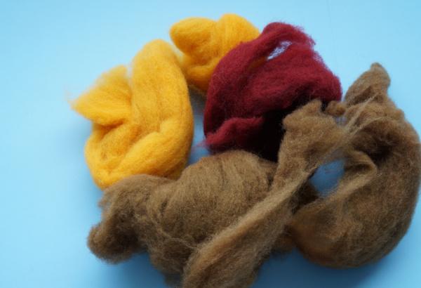 wool roving for making felt balls