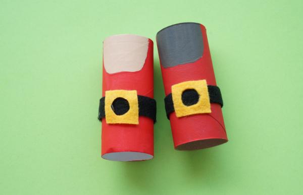 toilet roll santa with felt belt on