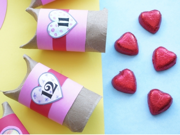 valentine countdown boxes with chocolate hearts