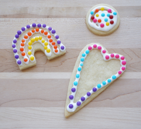 decorated cookies that used easy homemade cookie cutters